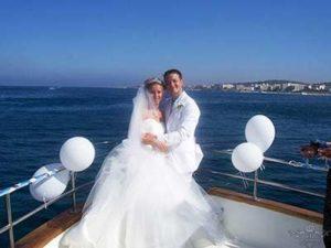 муж и жена молодожены