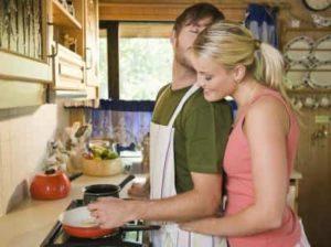 Похвалить за помощь на кухне