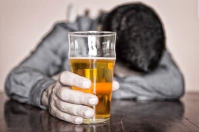 Если жена злоупотребляет спиртным