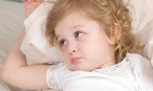ребенок капризничает перед сном