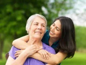 счастливая мама и дочка