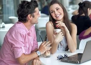 свидание в кафе молодых людей