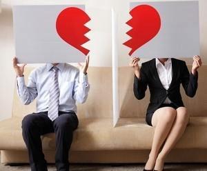 мужчина и женщина ставят точку в отношениях