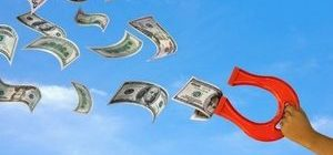 доллары и подкова