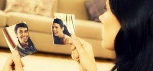 девушка разорвала фото